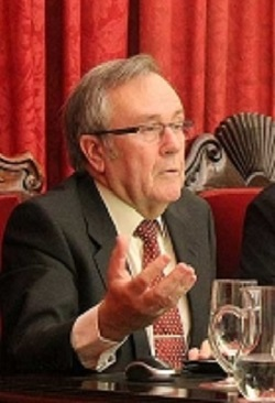 Dr. Genaro Chic García